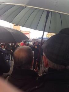 MANIFESTAZIONE SEDE ASSESSORATO ombrelli