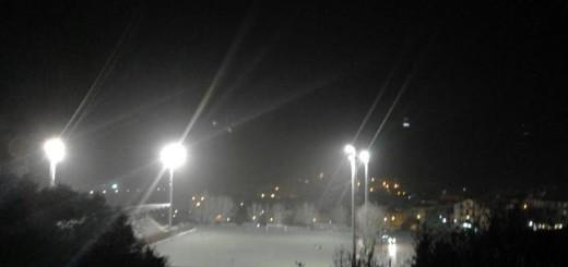 comunale brolo illuminato notte
