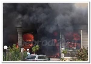 capo d'orlando – un incendio divora il magazzino di uno stabilimento