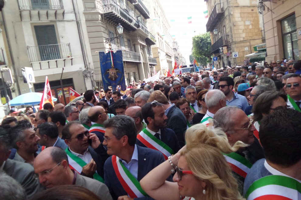 sindaci in piazza a palermo 1