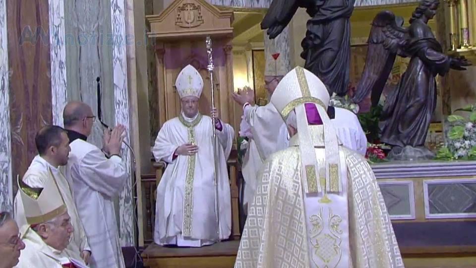 MONS. GUGLIELMO GIOMBANCO altare