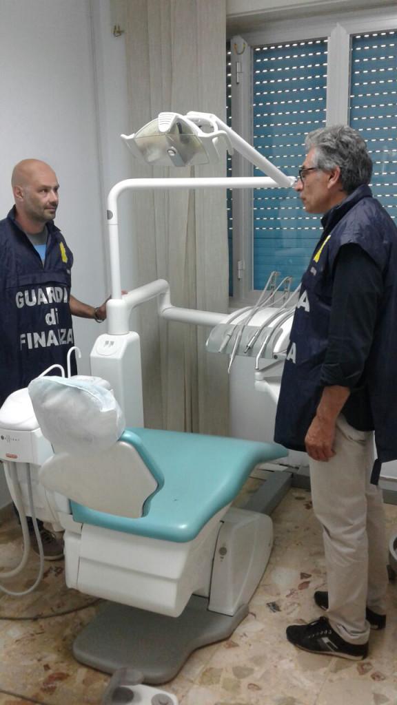 dentisti falsi capo d'orlando