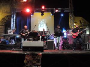 ficarra – grande successo per lo spettacolo di varietà dell'associazione heart music