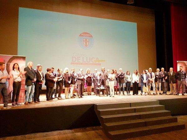 De Luca con altri candidati al consiglio comunale