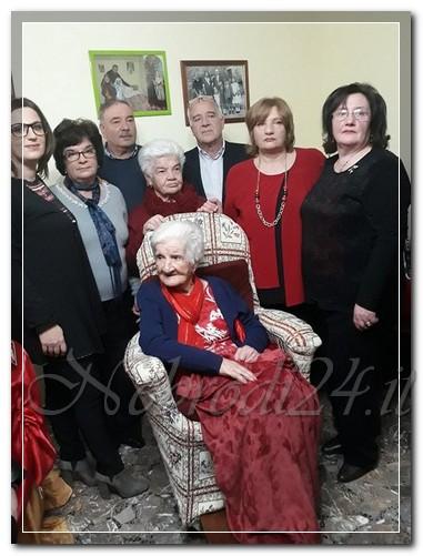 """castell'umberto – una grande festa per """"za pippina""""  (maria giuseppa galati rando) che ha compiuto i suoi cento anni"""