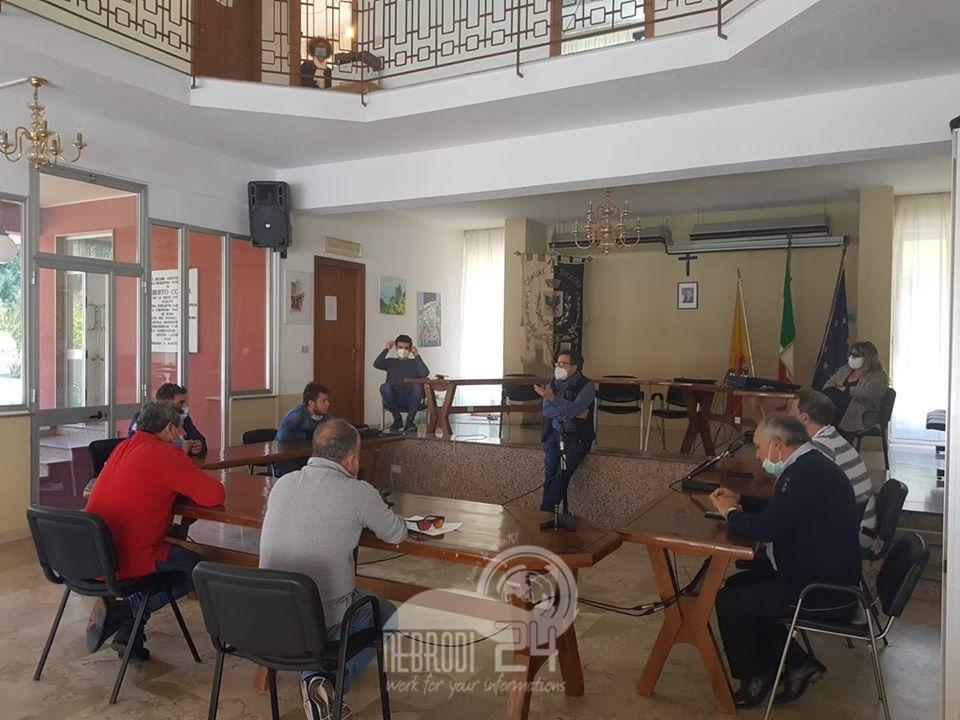 """sinagra – in sindaco musca ha incontrato la delegazione del """"comitato, bar, ristoranti e pizzerie"""""""