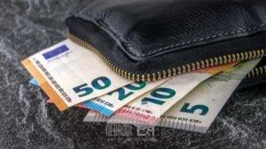brolo – ritrova un portafogli con quasi 400 euro dentro e lo restituisce