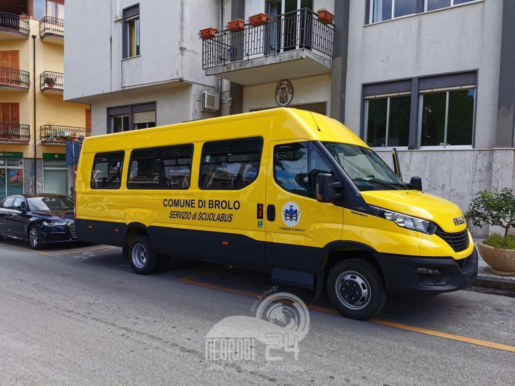brolo – consegnato al comune un nuovo scuolabus