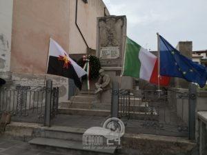 """brolo – un camice bianco, al monumento ai caduti, per ricordare le """"forze bianche"""" (video)"""